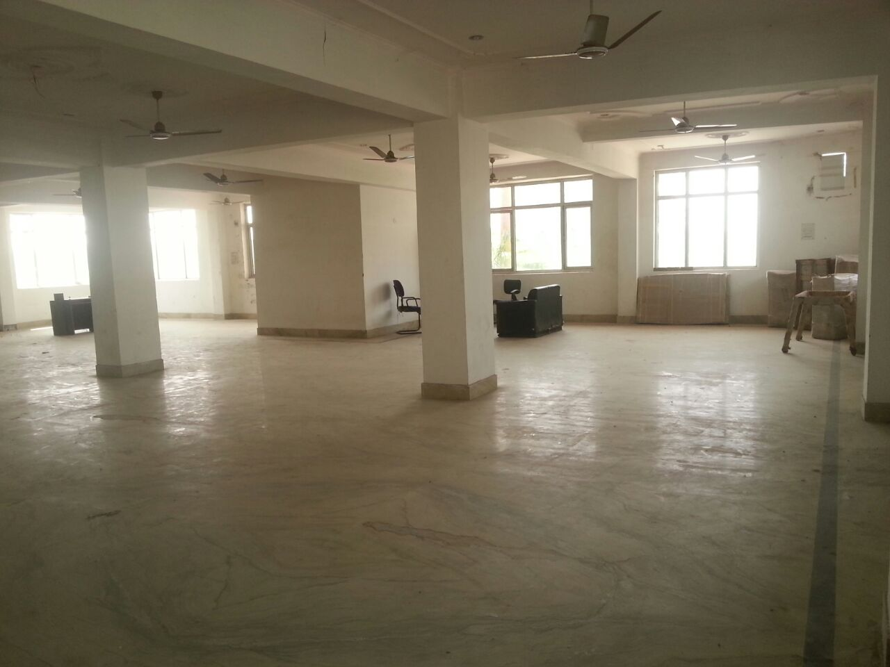 commercial space for rent in haridwar 7O6O738171