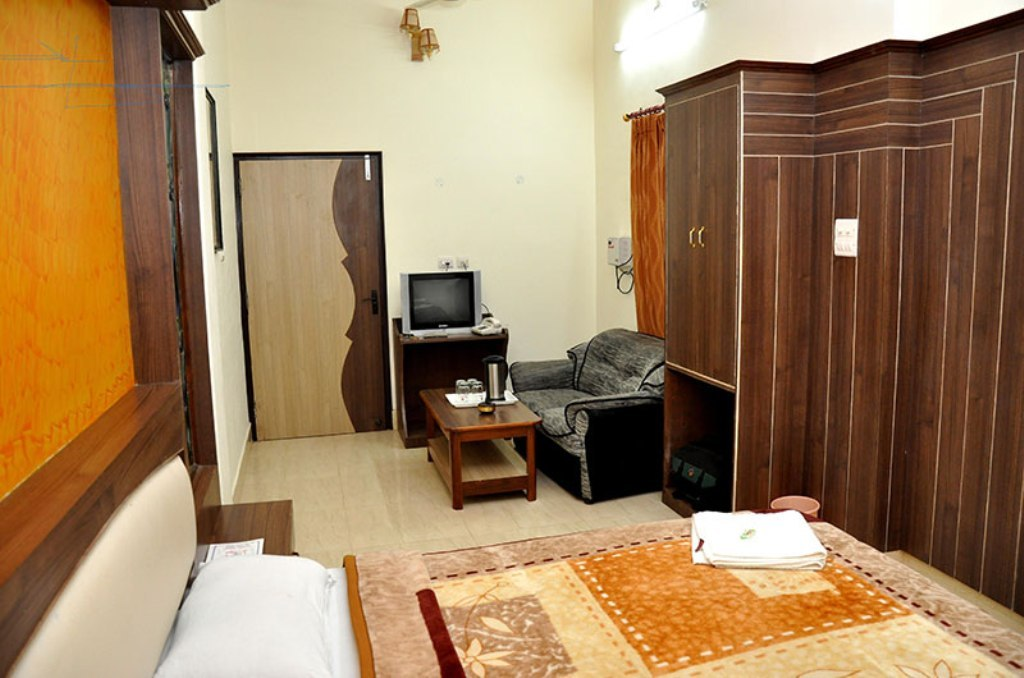 Hotels/Resorts for lease in Jaipur 7O6O738171