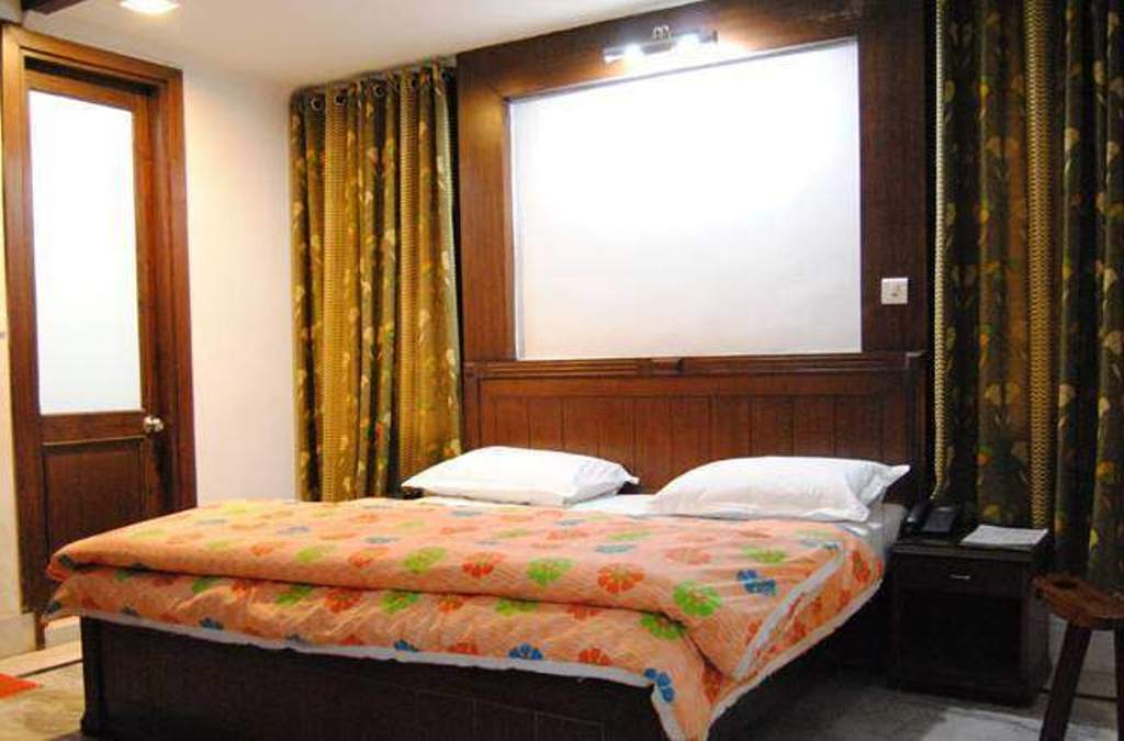 Hotels for rent / lease in Rishikesh – Resorts for rent / lease in Rishikesh